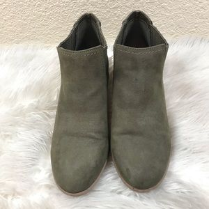 American Eagle Suede Size 10M Heeled Ankle…
